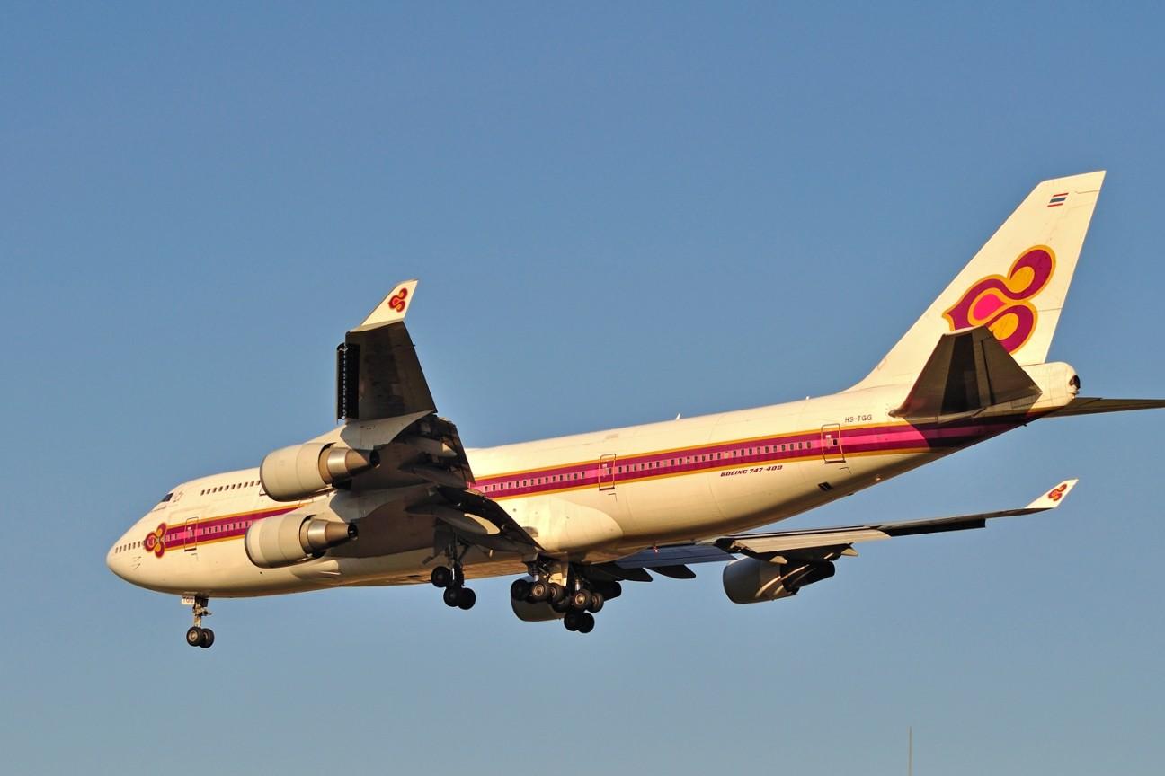 Re:[原创]升767了,发图庆祝,来自PEK东跑,内有外航若干,当然少不了380。 BOEING 747-400 HS-TGG 中国北京首都机场