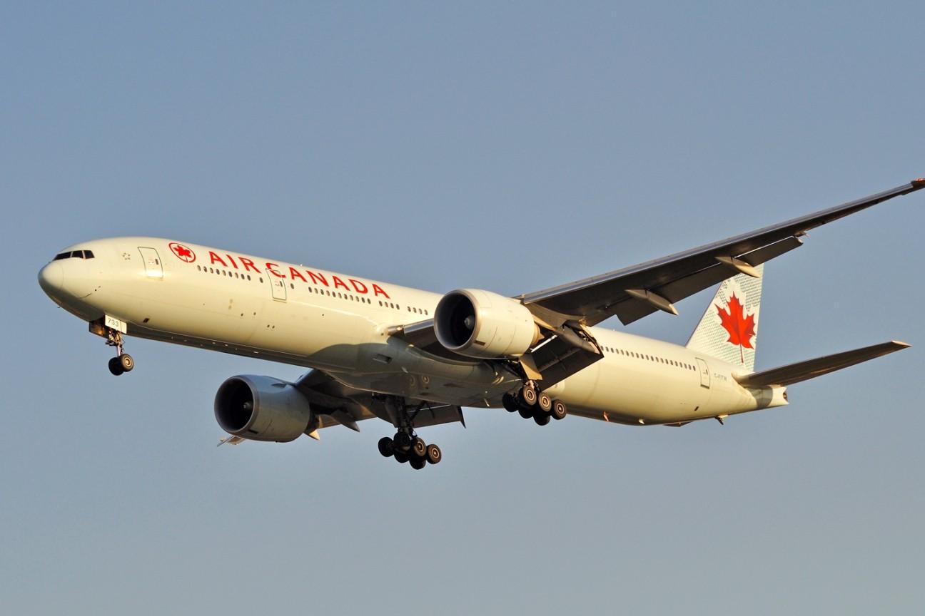 Re:[原创]升767了,发图庆祝,来自PEK东跑,内有外航若干,当然少不了380。 BOEING 777-300 C-FITW 中国北京首都机场