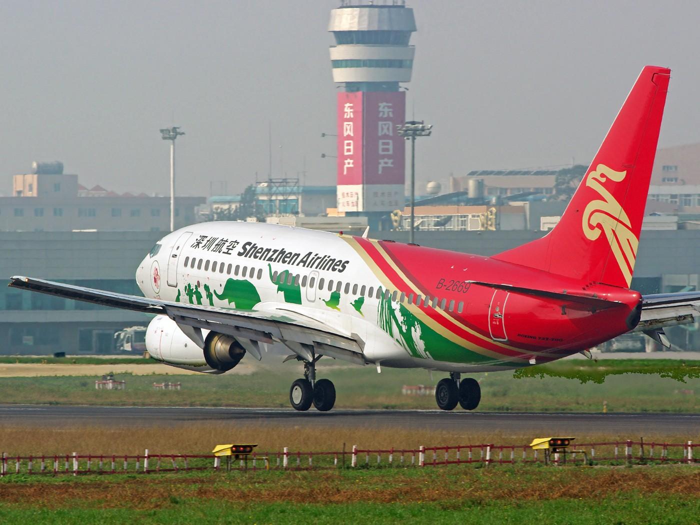 [原创]换个角度、换种天气——非典型的KMG BOEING 737-700 B-2669 中国昆明巫家坝机场