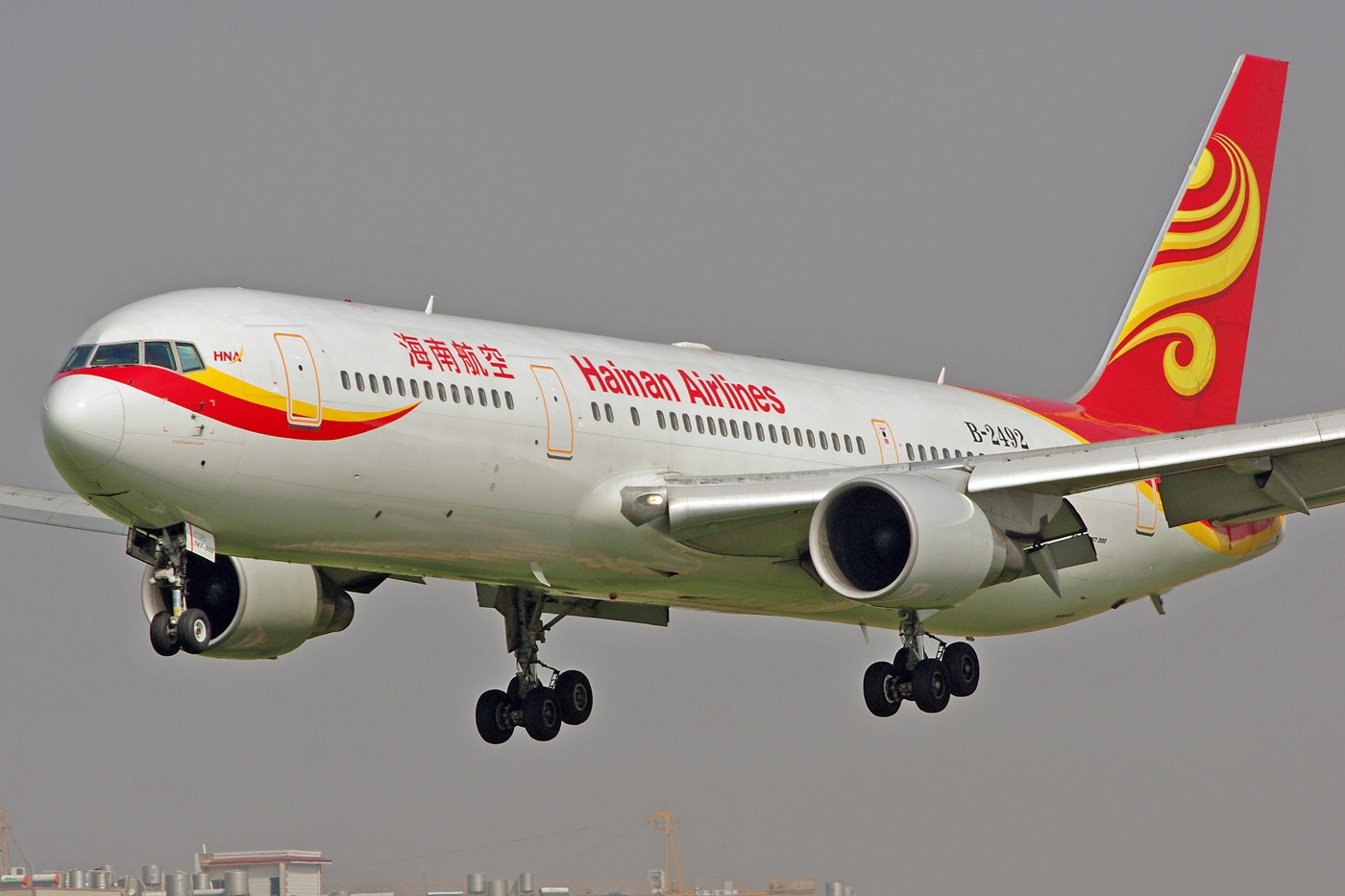 Re:[原创]换个角度、换种天气——非典型的KMG BOEING 767-300 B-2492 中国昆明巫家坝机场