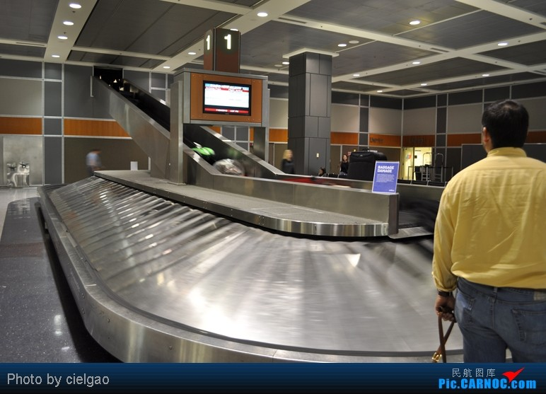 Re:[原创]我的首次环球飞行,星空联盟环球套票,PEK-SFO-AUS-IAH-CUN-CLT-FRA-NRT-PEK,旅程进行中,敬请持续支持    美国奥斯汀贝格斯特罗姆机场