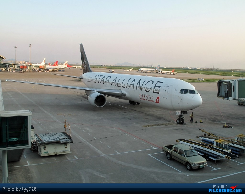 Re:[原创]【絕唱】大猩猩2570于12月8日晚間在虹橋拖入STARCO機庫噴漆 BOEING 767-300 B-2570 中国深圳宝安机场