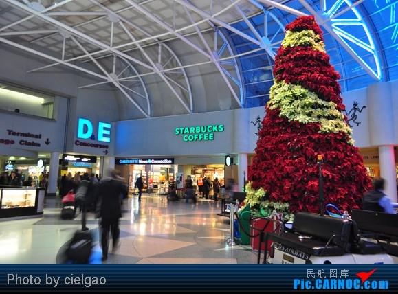 Re:[原创]我的首次环球飞行,星盟环球套票,PEK-SFO-AUS-IAH-CUN-CLT-FRA-NRT-PEK,lz已回京,上班ing,敬请支持更新^_^    美国夏洛特/道格拉斯机场