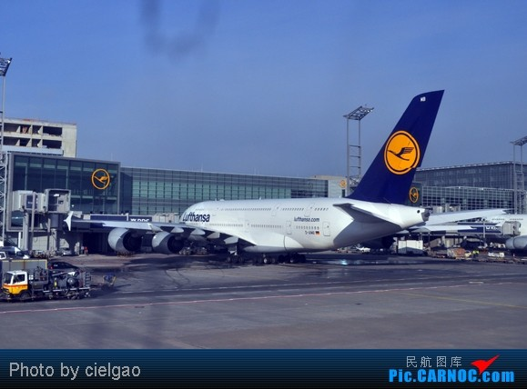 Re:[原创]我的首次环球飞行,星盟环球套票,PEK-SFO-AUS-IAH-CUN-CLT-FRA-NRT-PEK,lz已回京,上班ing,敬请支持更新^_^    德国法兰克福机场