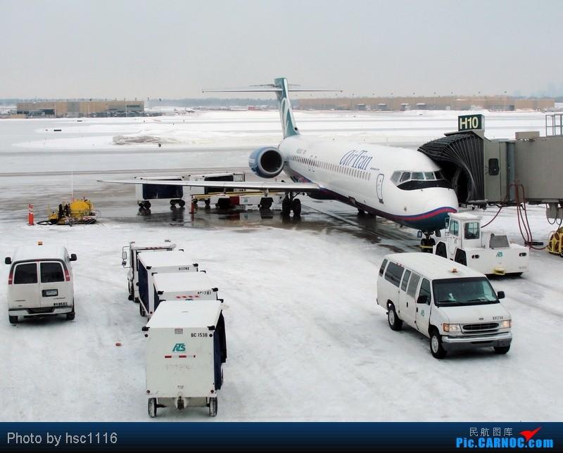 [原创]纽约,华盛顿之行。关键词:Air Tran, Boeing 717, 无畏号航母,史密森航空博物馆,大雪延误,标题要长... BOEING 717-200 N892AT 美国明尼阿波利斯—圣保罗机场