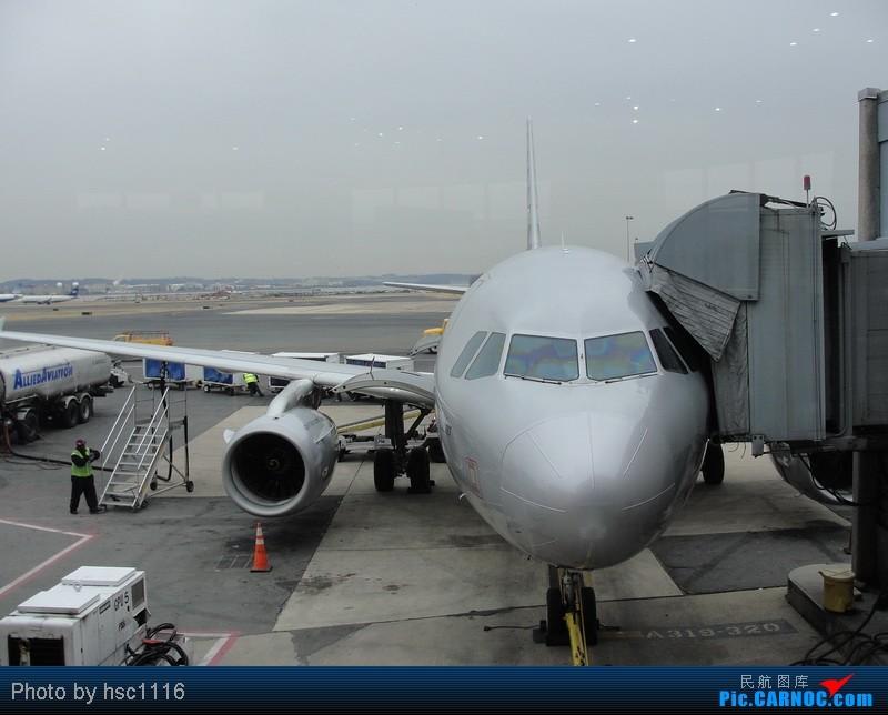 Re:[原创]纽约,华盛顿之行。关键词:Air Tran, Boeing 717, 无畏号航母,史密森航空博物馆,大雪延误,标题要长... AIRBUS A319 N524NK