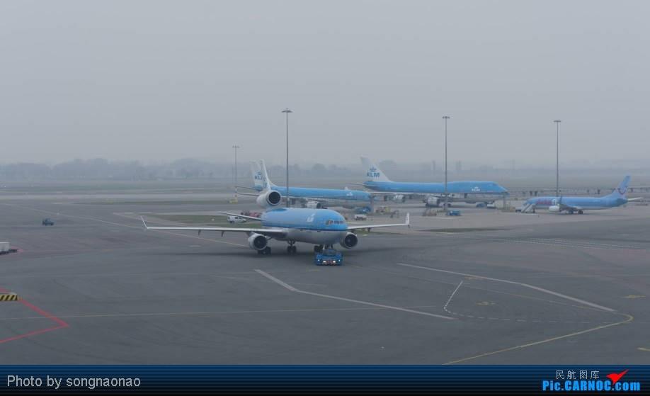 Re:[原创]***送闹闹游记005***---阿姆斯特丹 SCHIPHOL 机场 送飞 拍机    荷兰荷兰阿姆斯特丹斯史基浦(西霍普)机场