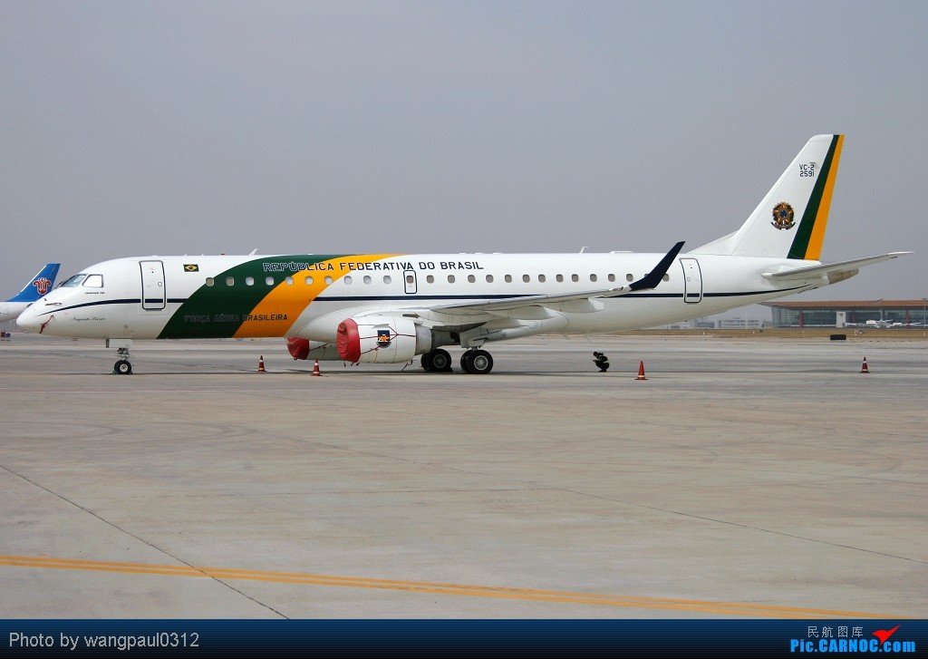 Re:[原创]贴几长重量级的公务机-------几位首脑的座驾 EMBRAER VC-2 (ERJ-190AR) FAB2591 北京首都国际机场