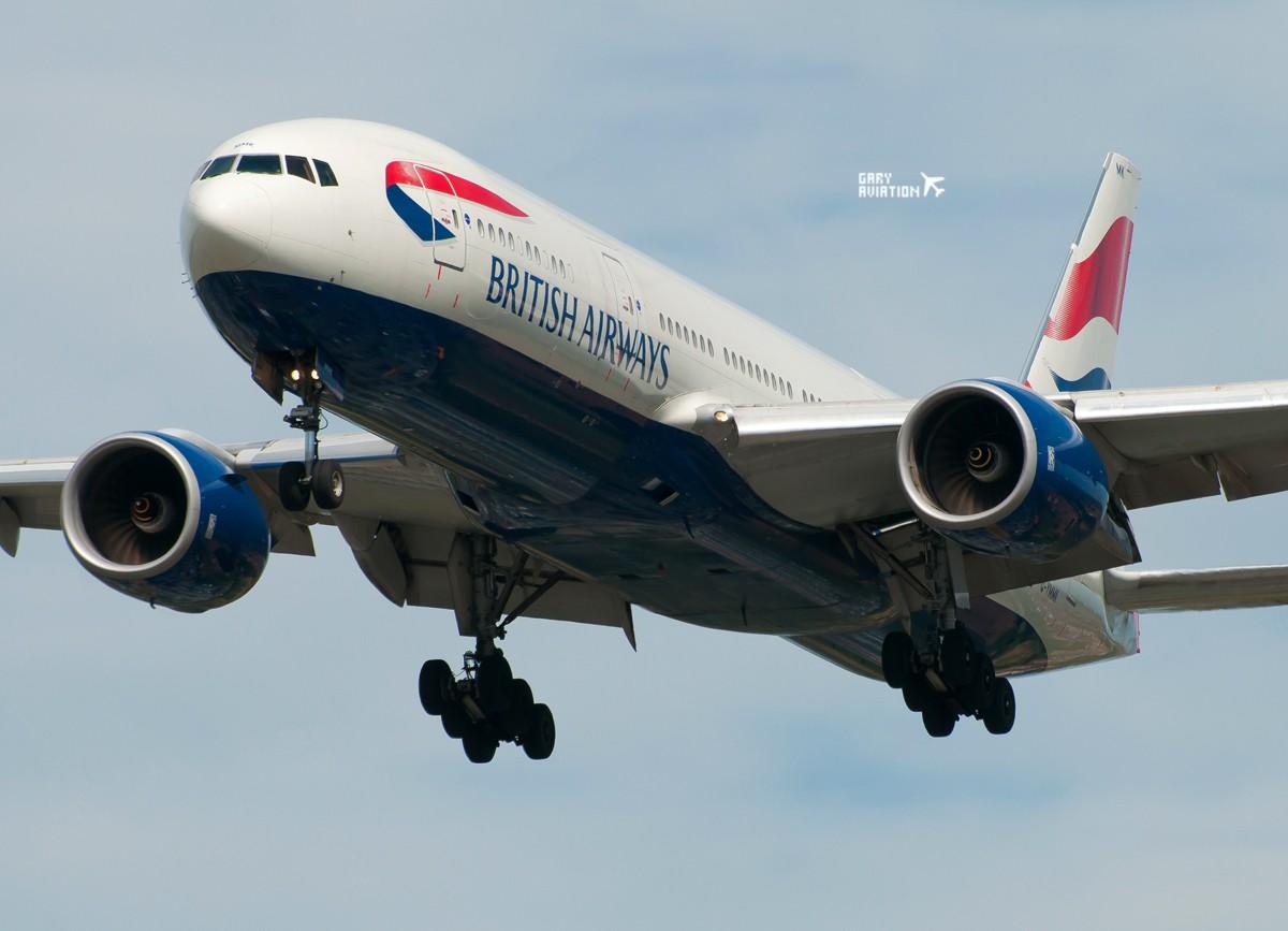 [原创]今晚的温布利一定沸腾,飞机若干,今天伦敦街头一张。 BOEING 777-200 G-YMMK 英国伦敦希思罗机场