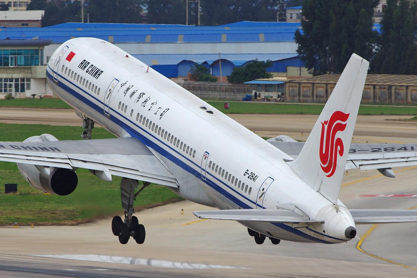 Re:[原创][Andrei]__节过完了,发一些比较大,比较满的图! BOEING 757-200 B-2841 中国昆明巫家坝机场