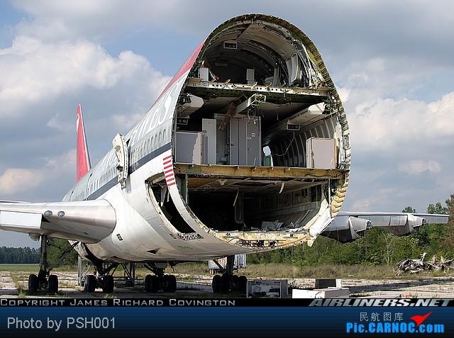 Re:[原创]纽约,华盛顿之行。关键词:Air Tran, Boeing 717, 无畏号航母,史密森航空博物馆,大雪延误,标题要长... BOEING 747-100 N601US 马克思顿纽伦堡机场