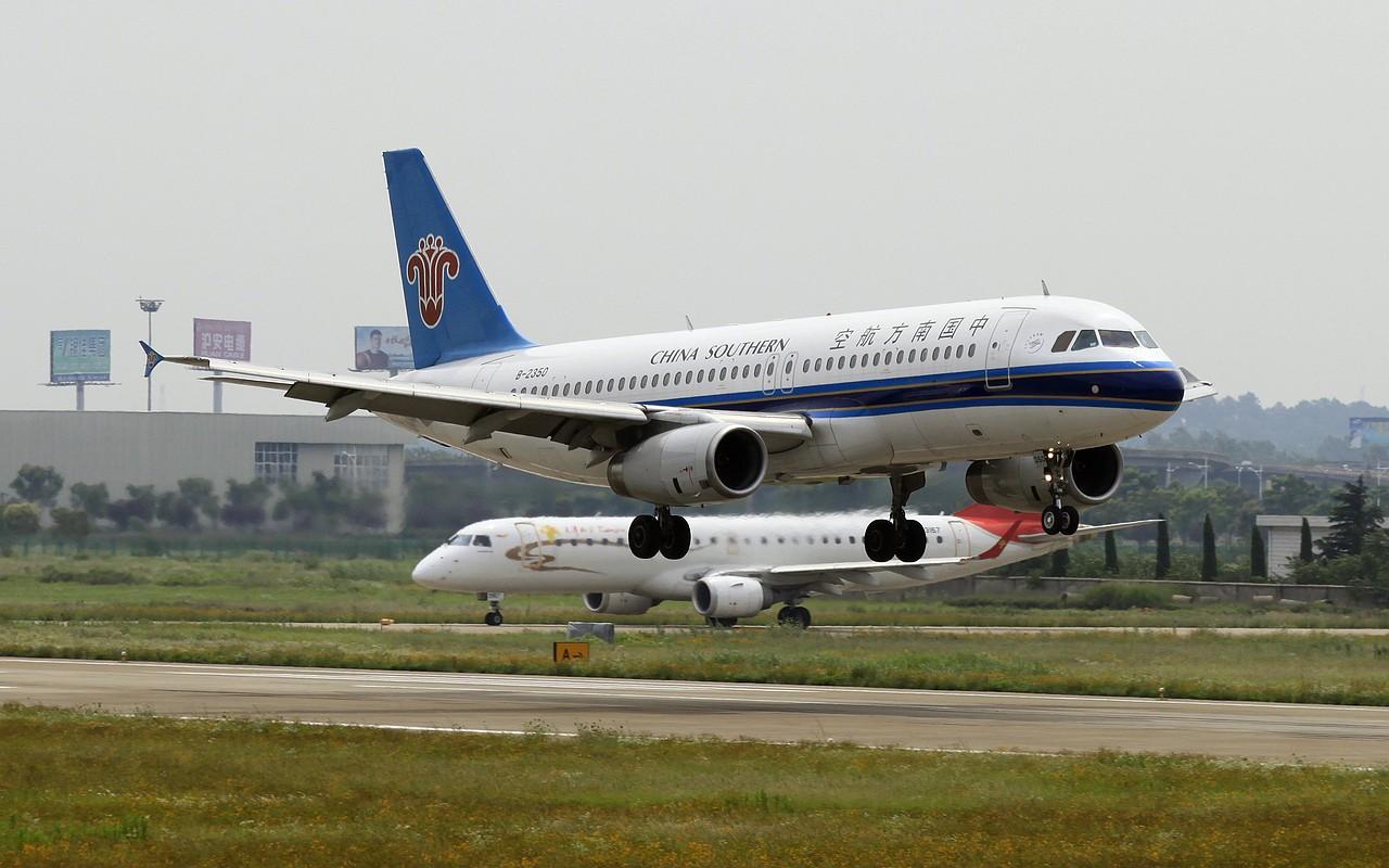 Re:[原创]【NKG】23日午后大顶光下的落地 AIRBUS A320-200 B-2350 中国南京禄口机场
