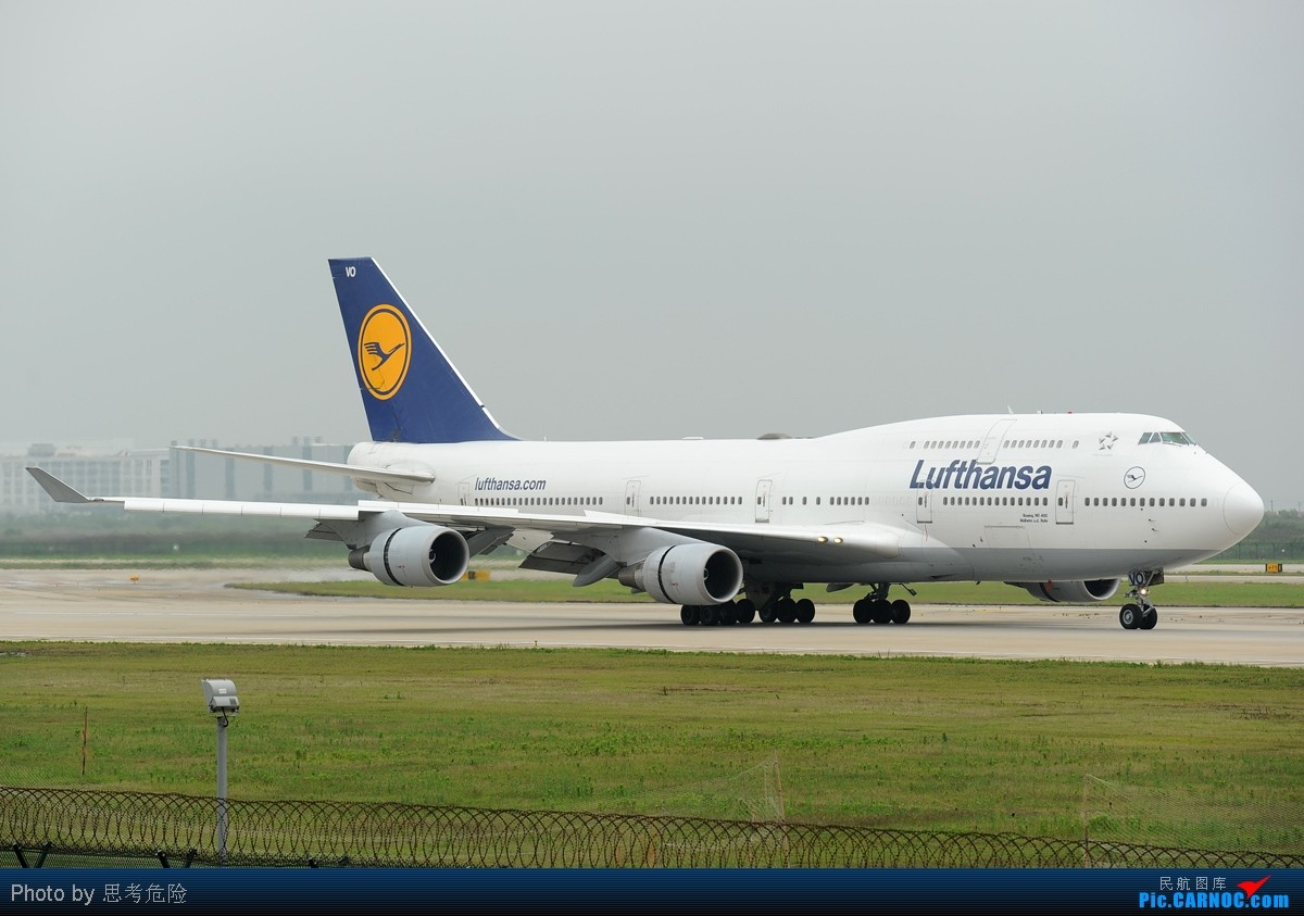 Re:[原创]【思考危险】上海浦东机场(PVG)拍到的众多波音747大灰机~~ BOEING 747-400 D-ABVO 上海浦东国际机场