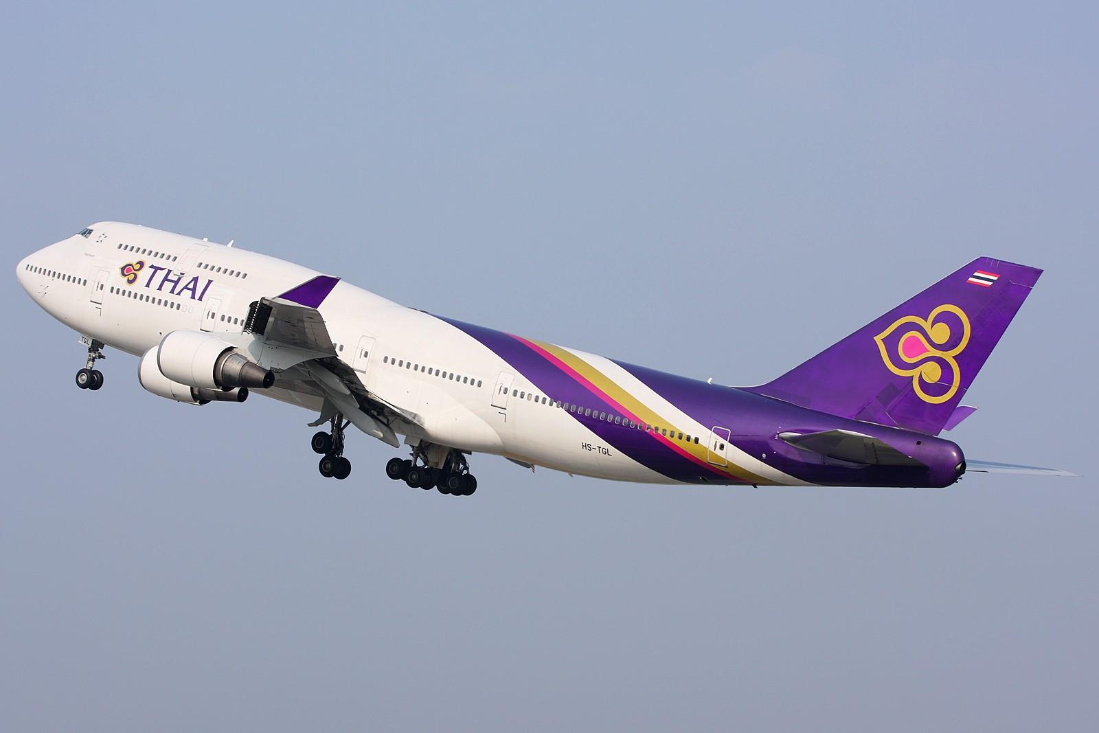 [原创]【深圳飞友会】经典角度起飞的两架B747,配上1600大图看的更加爽。 BOEING 747-400 HS-TGL 中国广州白云机场