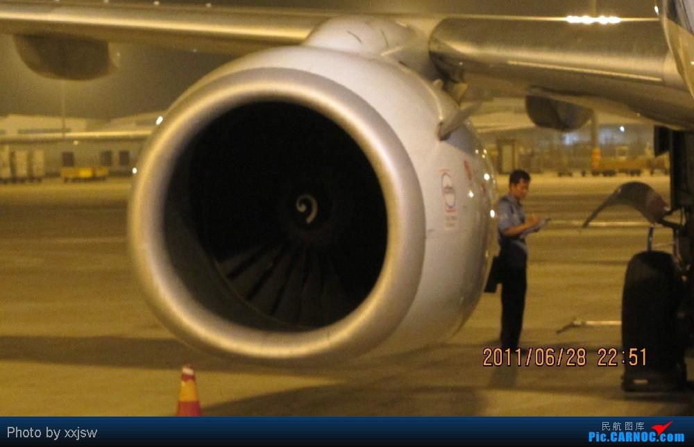 Re:[原创]第一次发帖,请大家多多指教。第一次体验陆地航班和真正的空中航班 BOEING 737-700 B-5245 中国成都双流机场