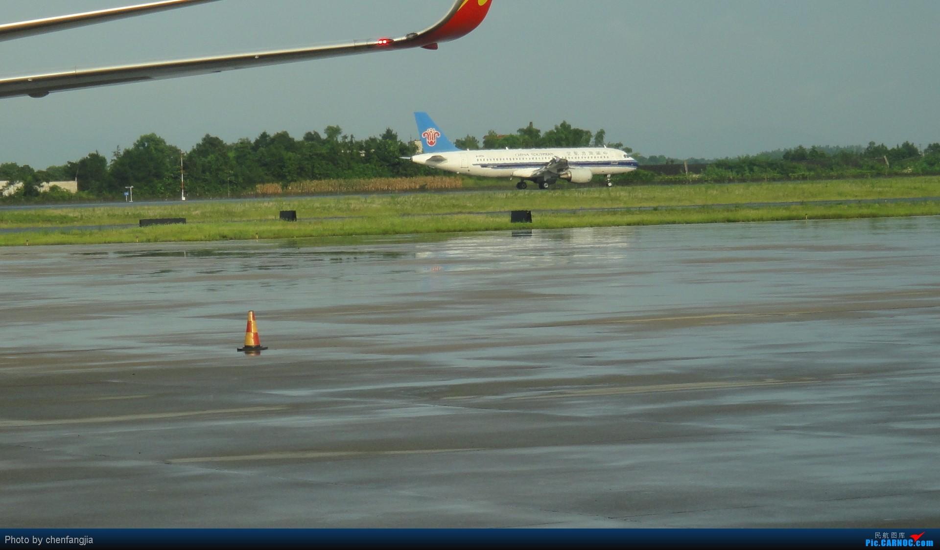 Re:[原创]新手发帖,多多支持!CSX-KMG  CZ3467  ---------标题要长--- AIRBUS A320-200  中国长沙黄花机场