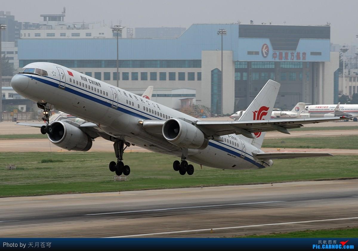 Re:[原创]【KMG】第一次使单反,天气又烂,权当练手吧 BOEING 757-200 B-2820 中国昆明巫家坝机场