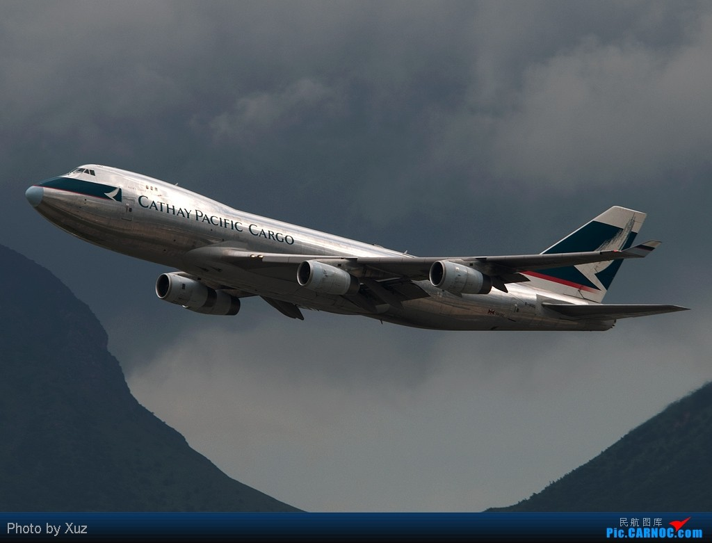 [原创]黑云,光线,裸机,就一图 BOEING 747-400 B-HUL 中国香港赤鱲角国际机场