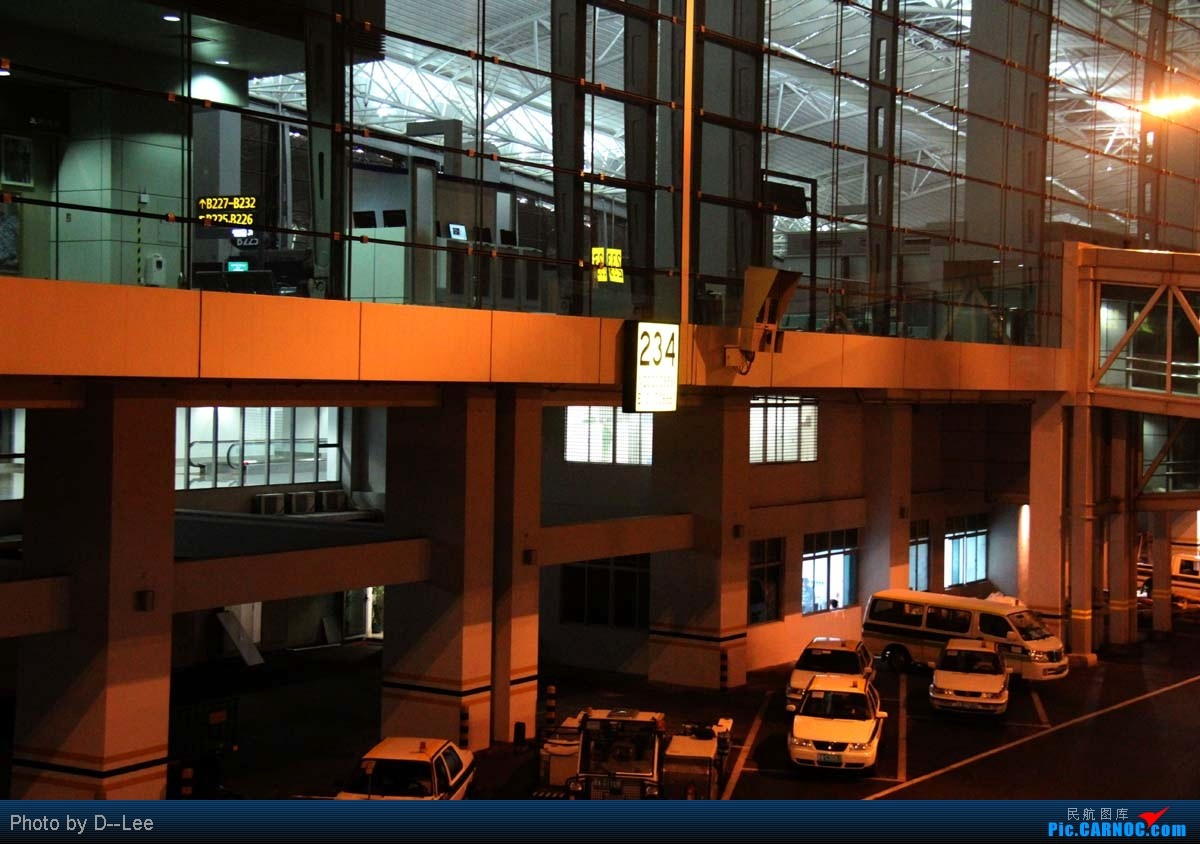 Re:[原创]【广州,你好】-精彩的DYG夜景回程游记整理好了,分享一下 AIRBUS A320-200 B-2406 中国广州白云机场