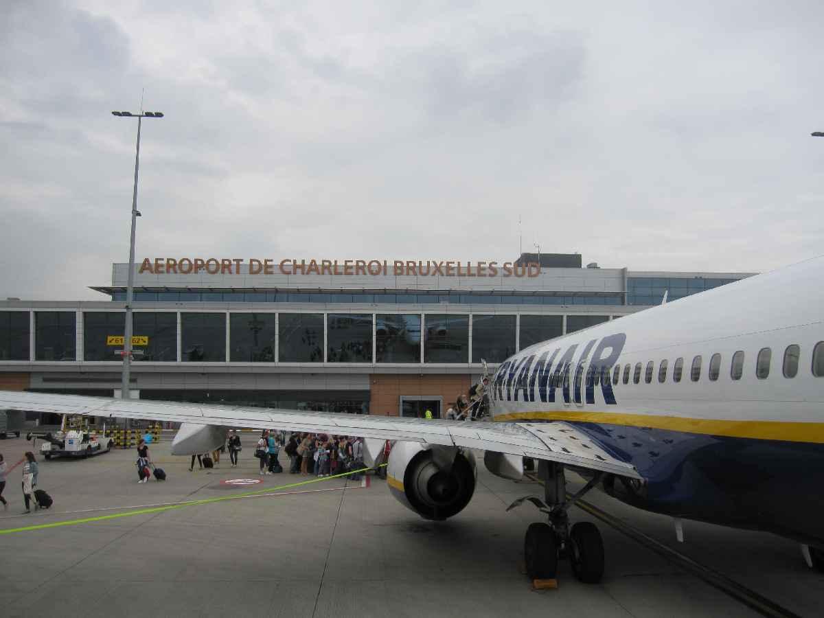 一下機場,機型或航空公司絕對論壇首發 卡片機拍攝 質量不高