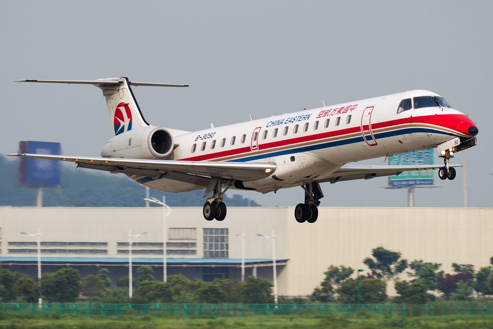 [原创]【BLDDQ】******半个月了,始终没等来阳光,报报二毛一来那天的流水账吧****** EMBRAER ERJ-145 B-3050 中国南京禄口机场
