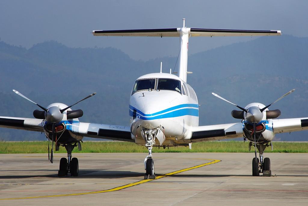Re:[原创][Andrei]云南支线机场系列——文山普者黑机场 BEECH 200 SUPER KING AIR B-3551 中国云南文山普者黑机场