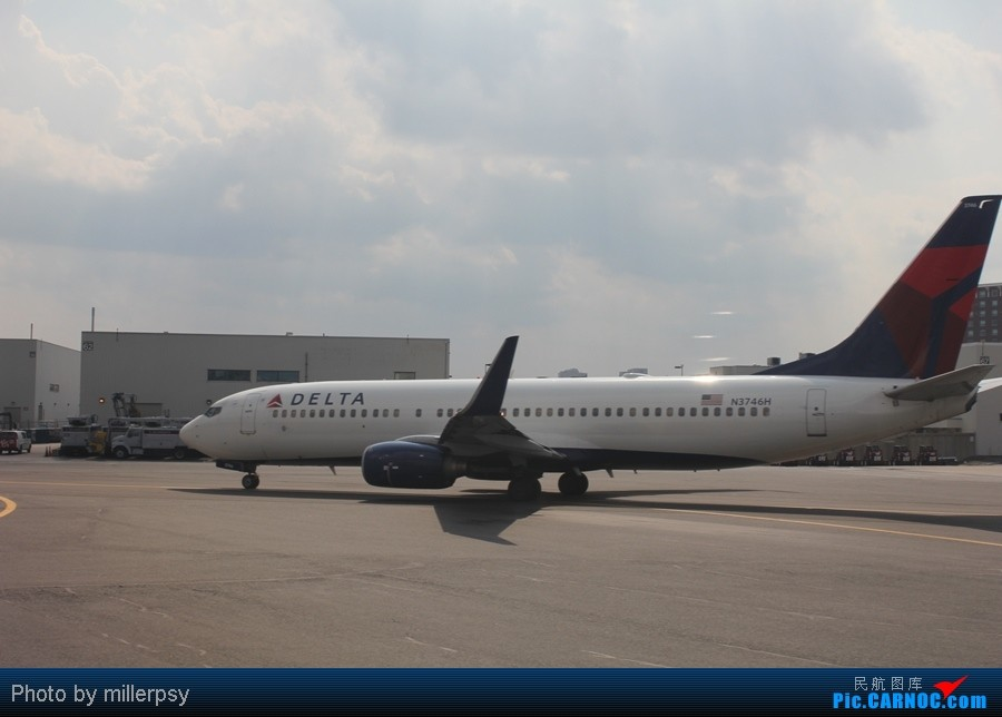 Re:[原创]超短途的飞行,从纽约到波士顿 BOEING 737-800 N3746H 美国波士顿机场