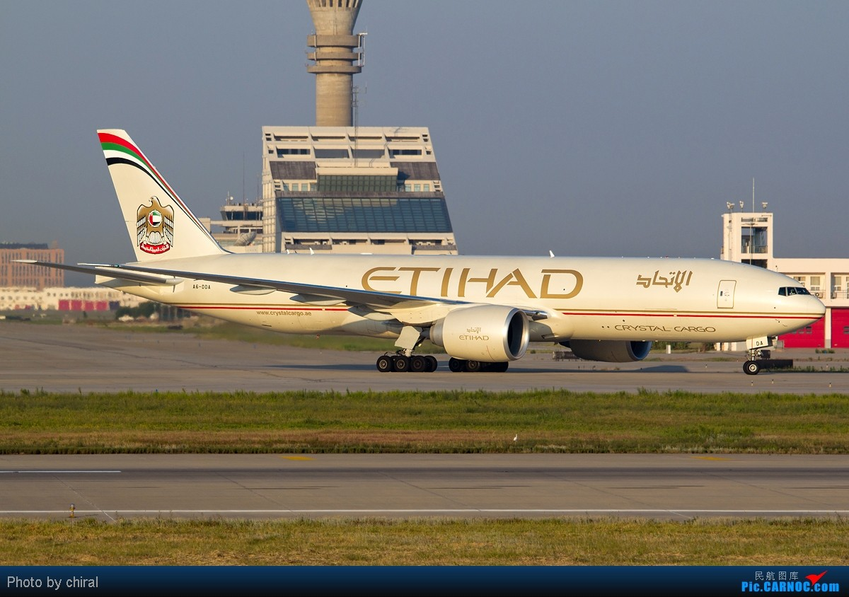 Re:【Chiral】为了那能照清楚每只轮轱辘的阳光,梦幻的黄金一小时@周末清晨的PVG BOEING 777-FFX A6-DDA 中国上海浦东机场