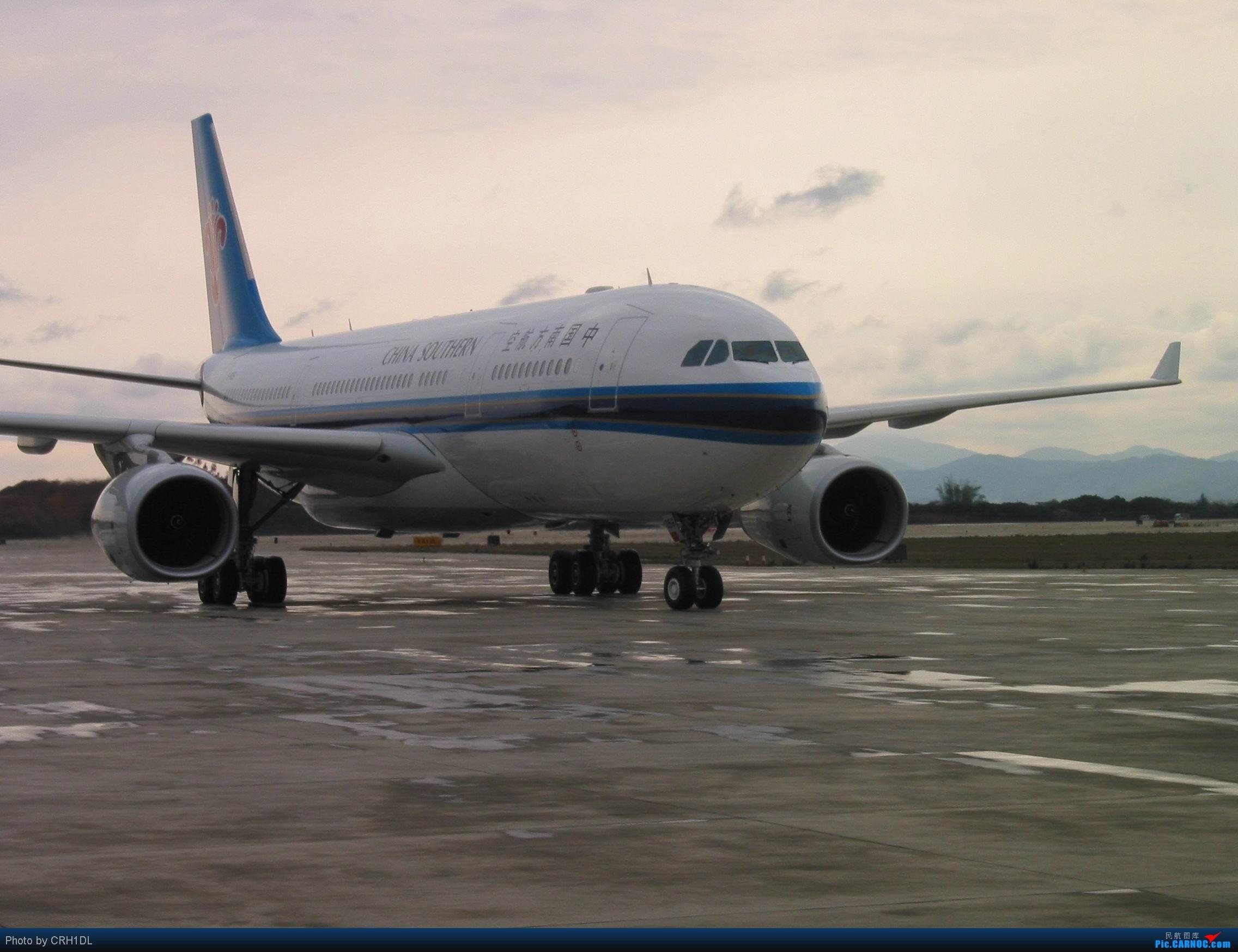 南航飞机上的空姐