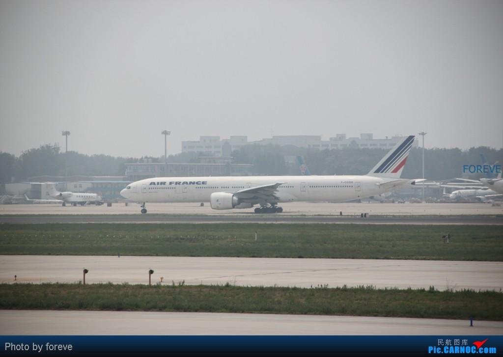 Re:[原创]发点藏货,6月去意大利时在首都机场侯机时拍的 BOEING 777-300 F-GSQG 中国北京首都机场