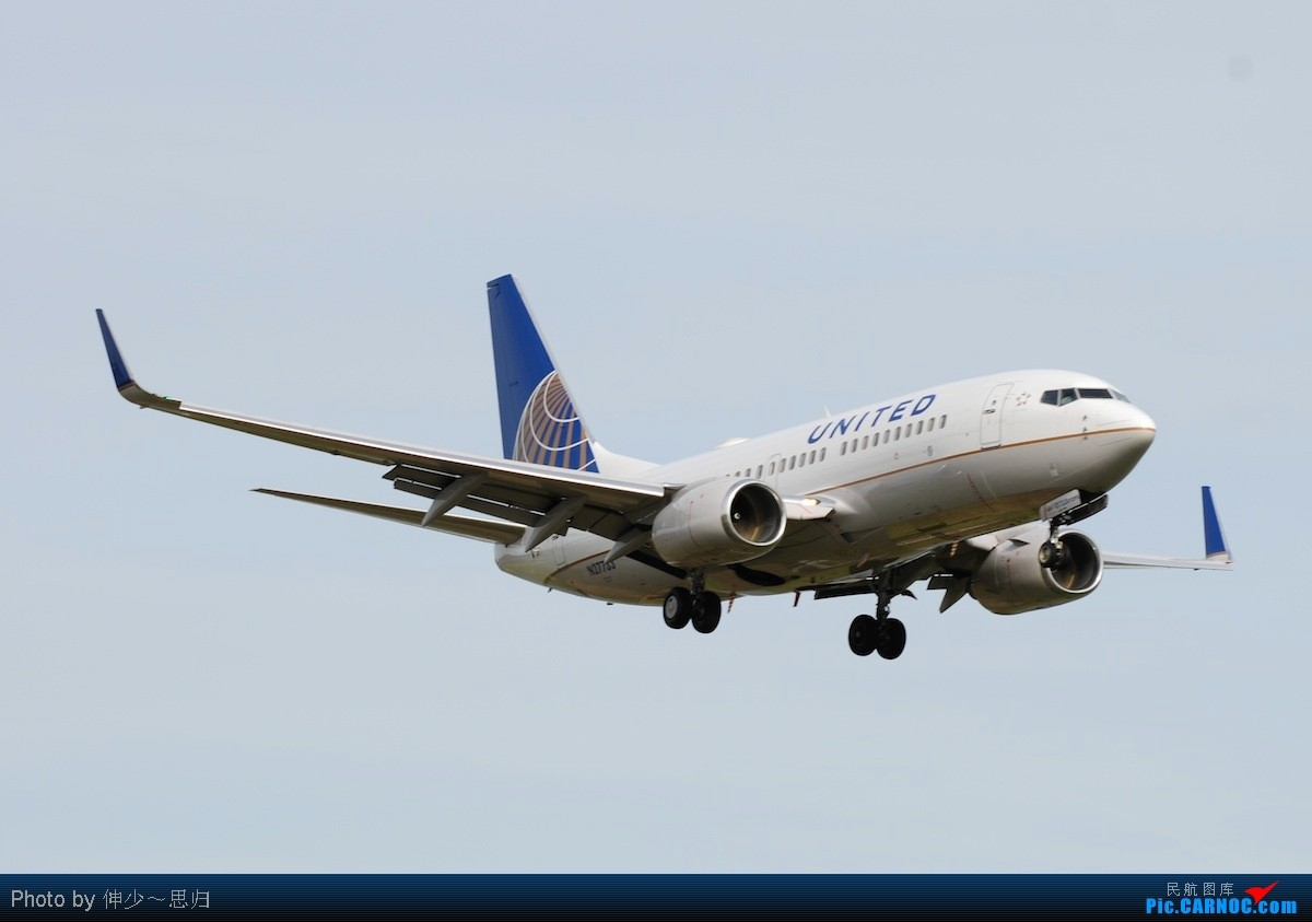 Re:[原创]【长春飞友会】伸少华盛顿第一拍,入驻DC百日纪念,迟到的23岁生日快乐。 BOEING 737-300  DCA