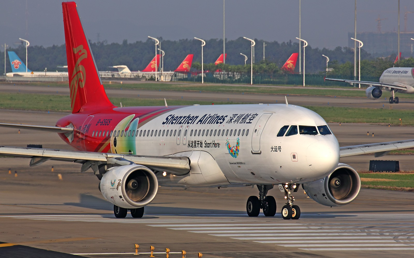 Re:[原创]*** 清晨美妙的光线,拍一拍等待中的飞机也是一种享受 *** AIRBUS A320-200 B-6565 中国广州白云机场