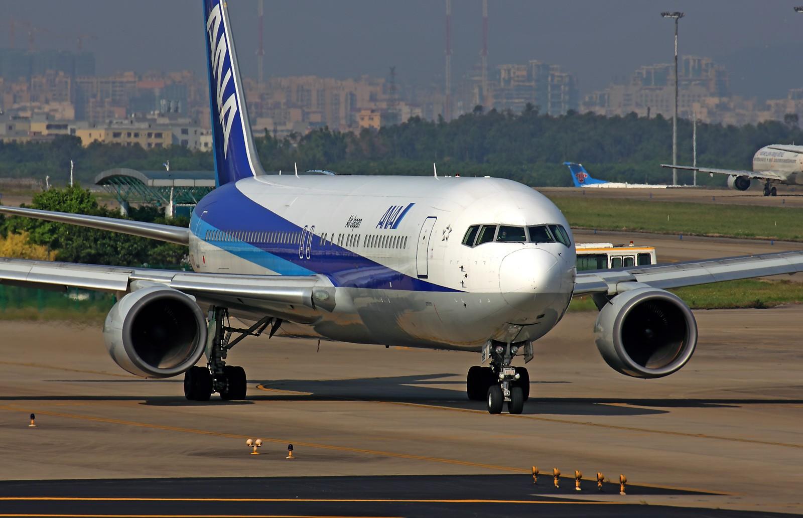 Re:[原创]*** 清晨美妙的光线,拍一拍等待中的飞机也是一种享受 *** B767-300 JA616A 中国广州白云机场