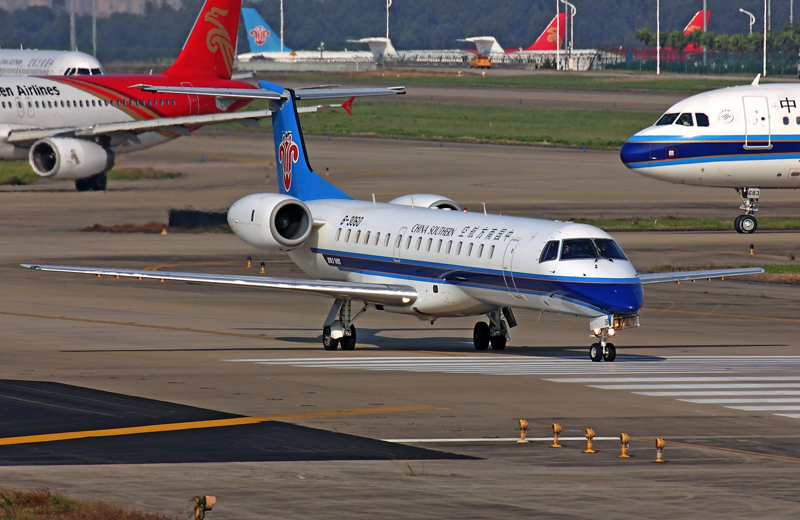 Re:[原创]*** 清晨美妙的光线,拍一拍等待中的飞机也是一种享受 *** EMBRAER ERJ-145 B-3060 中国广州白云机场