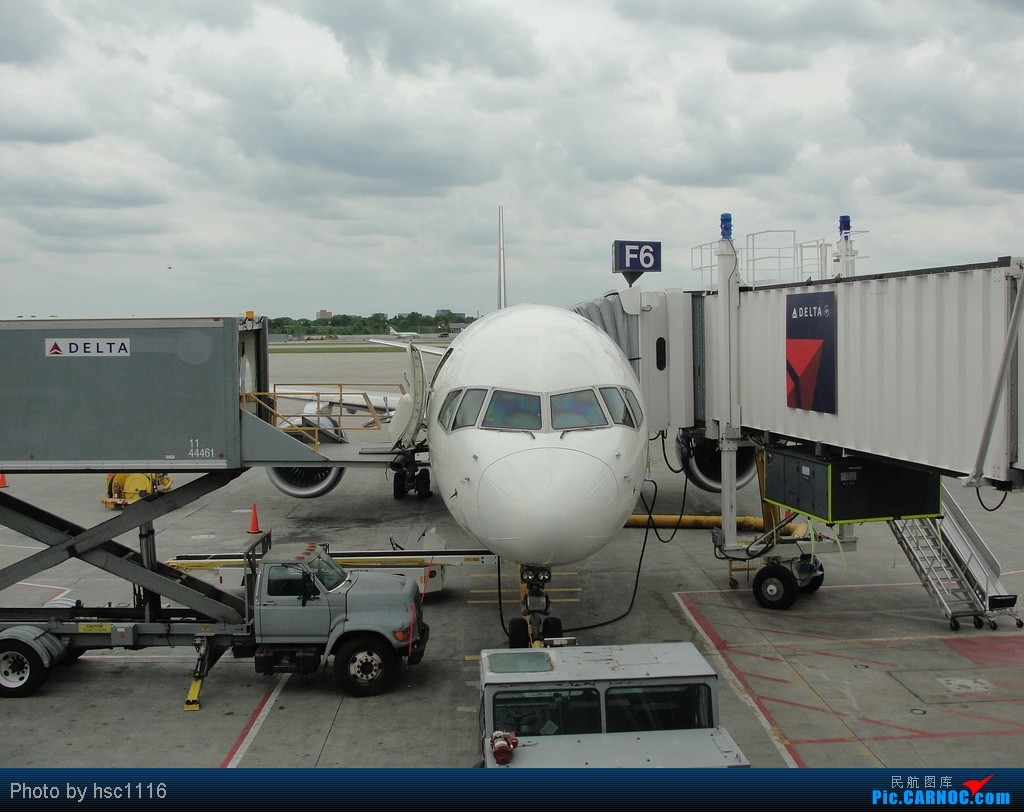 Re:[原创]5月份的回国,冷饭必须炒了。KMSP-KSEA-ZBAA-ZHHH. BOEING 757-300 N593NW 美国明尼阿波利斯—圣保罗机场