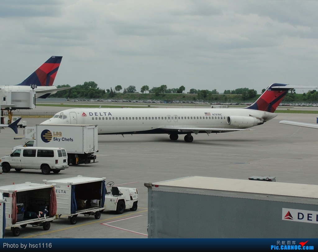 Re:[原创]5月份的回国,冷饭必须炒了。KMSP-KSEA-ZBAA-ZHHH. MCDONNELL DOUGLAS DC-9-30 N781NC 美国明尼阿波利斯—圣保罗机场
