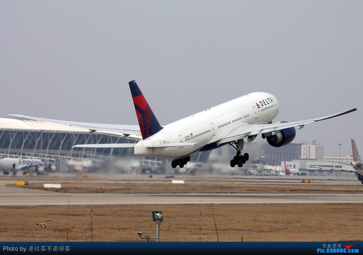 [原创]【红茶拍机】新年PVG第一拍,恭祝大家新年快乐! BOEING 777-200LR N709DN 中国上海浦东机场