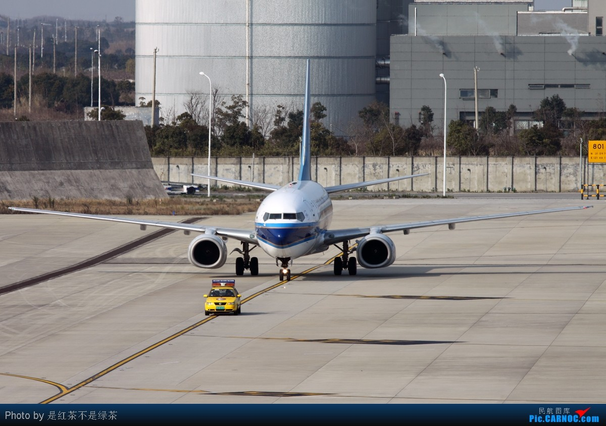 Re:[原创]【红茶拍机】新年PVG第一拍,恭祝大家新年快乐! BOEING 737-700 B-5070 中国上海浦东机场