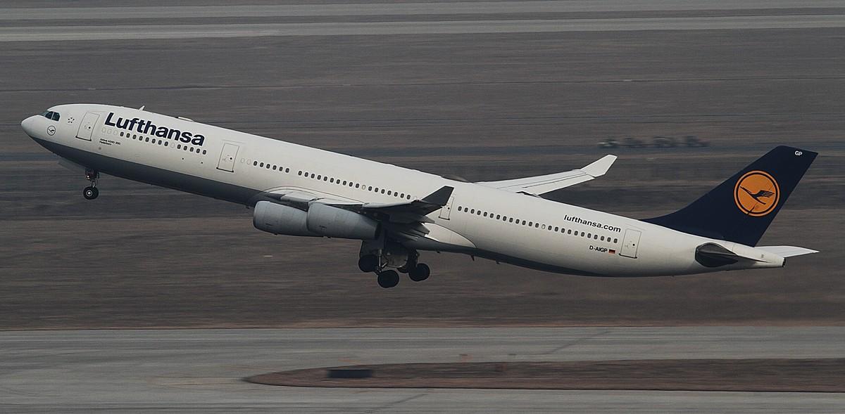 [原创]过完小年儿,帝都的天气又不给力了!献上汉莎340-300等 AIRBUS A340-300 D-AUGP 中国北京首都机场