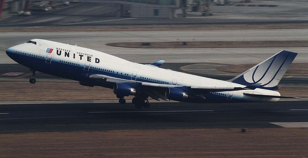 Re:[原创]过完小年儿,帝都的天气又不给力了!献上汉莎340-300等 BOEING 747-400 N105UA 中国北京首都机场