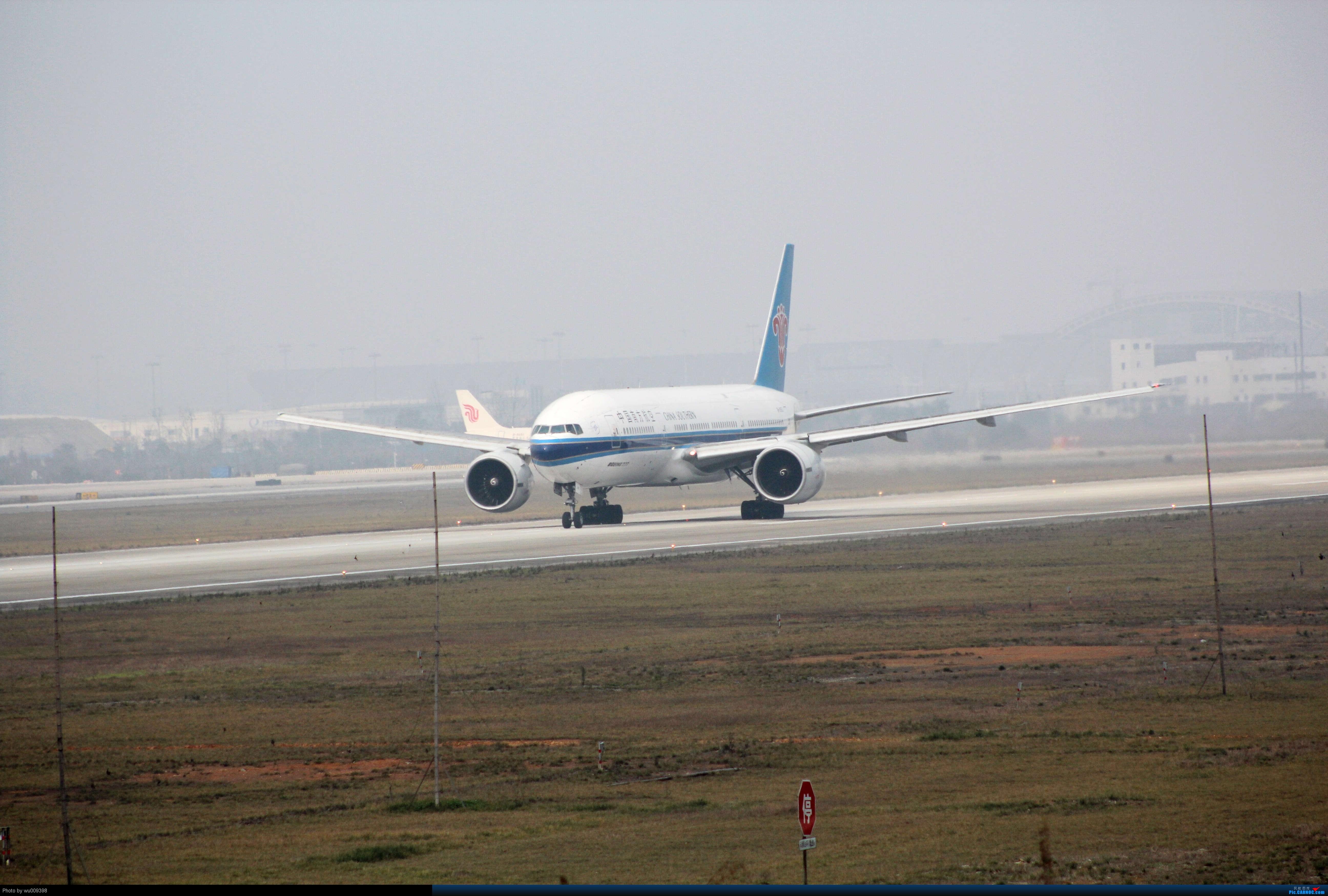 Re:[原创]CTU 好好天气,300MM开年考试,CZ777 BOEING 777-200 B-2053 中国成都双流机场
