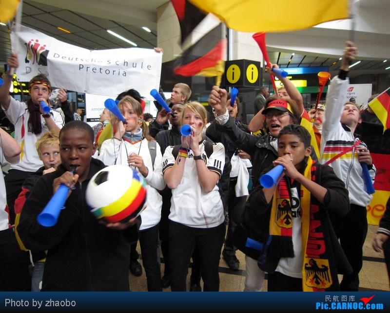 Re:[原创]那些年,我们追过的男孩。南非世界杯回顾,美女主持、朝鲜助威团、曼德拉叔叔、约翰内斯堡、开普敦绝美风景[标题长才有人看]