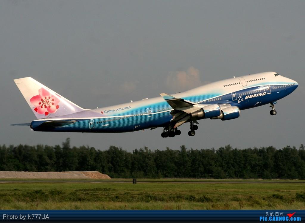 [原创]廣州朋友請注意~藍鯨正飛CAL521前往廣州!! BOEING 747-400 B-18210 RCTP