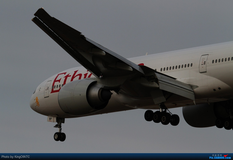 Re:[原创]**24-70也行?**东航窦尔敦又过来挑战视觉极限了 BOEING 777-200LR ET-ANP 中国北京首都机场