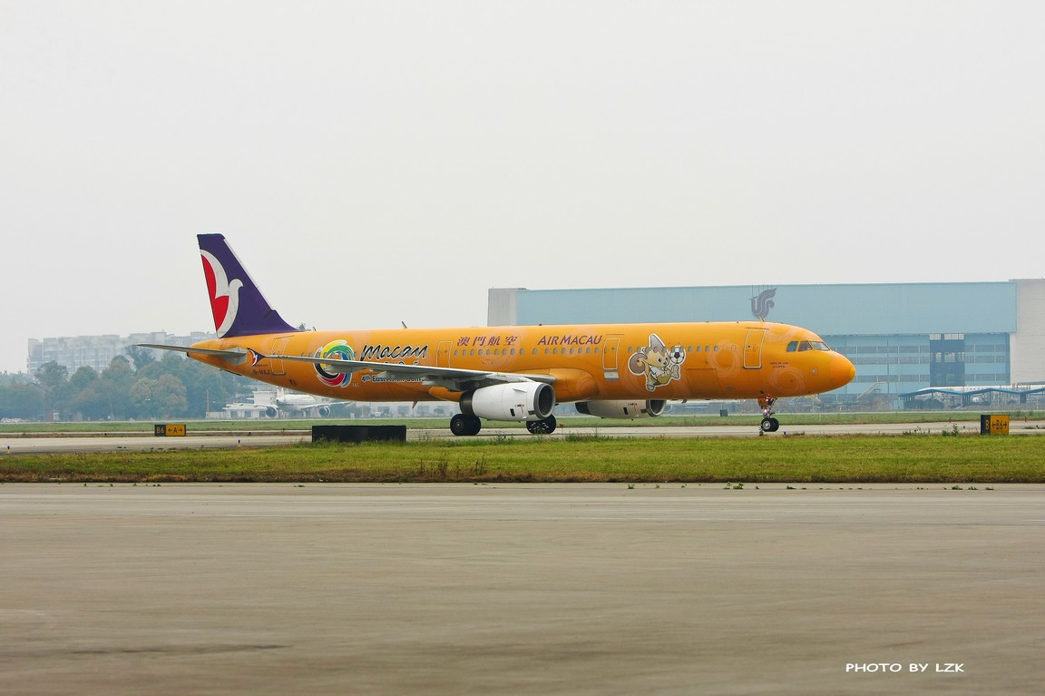 Re:[原创]双流机场02L内场拍摄(多图79P) AIRBUS A321 B-MAJ ZUUU