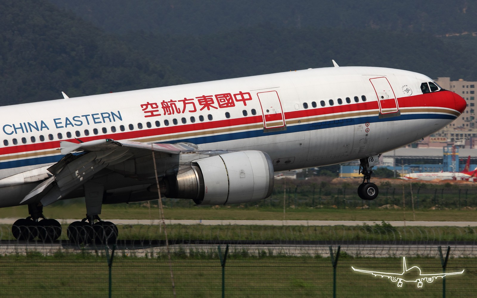 Re:[原创]★ ★ ★ ★ ★  看这AB6的仰角,想玩擦尾吗? ★ ★ ★ ★ ★ AIRBUS A300-B4-600R B-2318 中国深圳宝安机场