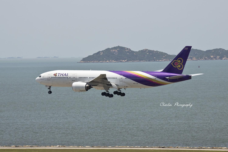 Re:[原创]带着小三游香港机场之拜师贴 BOEING 777-200 HS-TJC 中国香港赤?v角国际机场