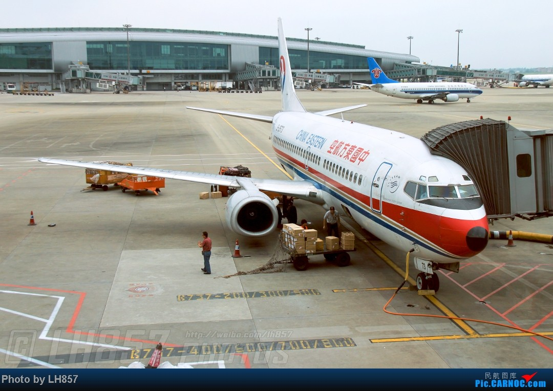 Re:[原创]22天的漂泊,菜航三胖初体验,见证了巫家坝与长水,PEK-CAN-KMG-CKG-SJW四段大暴走(二) BOEING 737-300 B-2573 中国广州白云机场