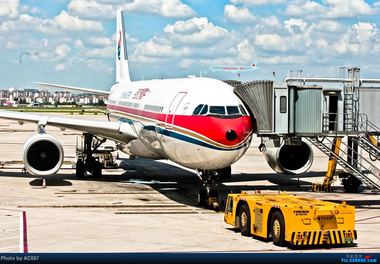 Re:[原创]【杭州飞友会】AC087天津游。爆飞友,北京一日行,三里屯佳能体验中心,200F2L,铁路运转,上航323,喷冷气的经济舱,反推机械细节。虹桥又是晴天。 AIRBUS A330-300 B-6097 中国上海虹桥机场