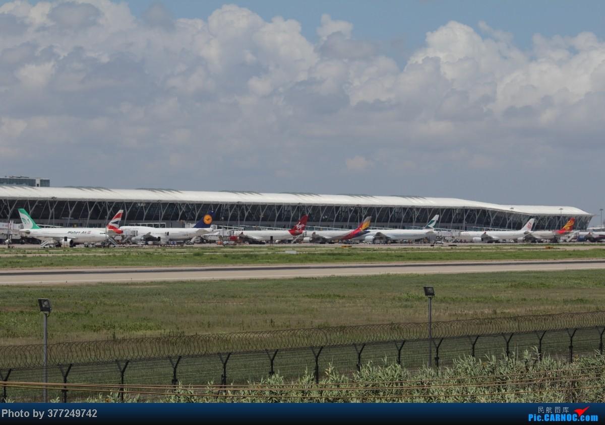 [原创]趁着最后的好天气去趟PVG,烂技术请多包涵。西园会、世博320、长荣744、AC763、UA744。回去磁悬浮飙到430KM一刚。    中国上海浦东机场